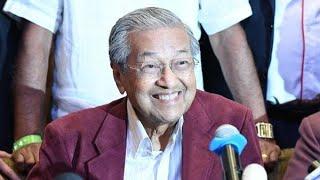 マレーシアで初の政権交代 マハティール氏首相に返り咲きへ