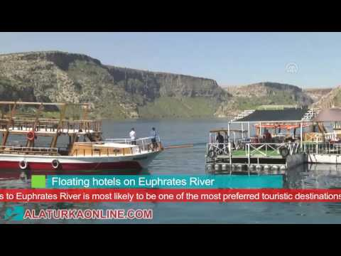 Floating hotels on Euphrates River