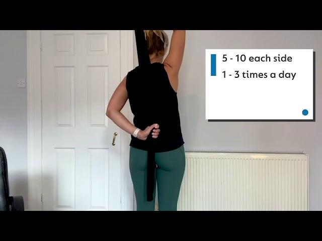 Ejercicios con Alex Bull: Suéter para estirar la espalda