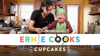 Ernie Cooks Cupcakes | Ernie Cooks | HiHo Kids