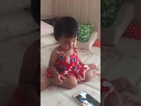 Ekspresi Baby Kait Liat Abangnya Di Sunat