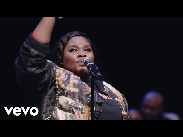 Tasha Cobbs Leonard - This Is A Move (Live)
