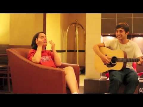 Brendan MacFarlane makes women cry in Lobby after hearing him sing