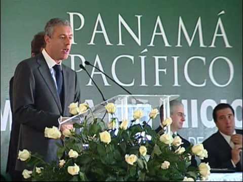 Jaime Gilinski and Miguel Clark at the Panama Pacifico signing ceremony.