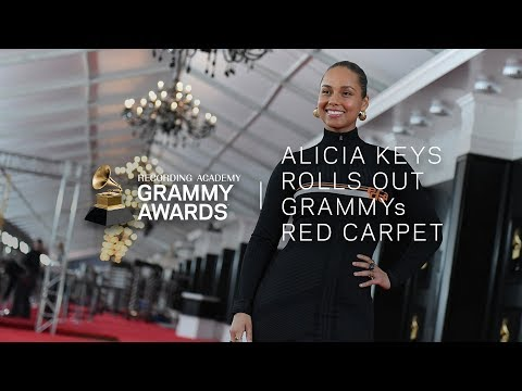Host Alicia Keys Rolls Out The Red Carpet To The 61st GRAMMY Awards
