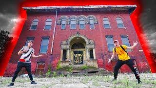 (DOOR SLAMS) EXPLORING HAUNTED GHOST SCHOOL