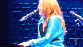Tori Amos: Wedding Day - The Beacon Theatre, New York City 2014-08-12 HD1080