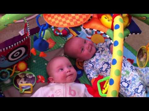 Twins & music playmat