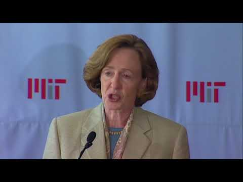 Election Announcement of 16th MIT President: Susan Hockfield 8/26/2004