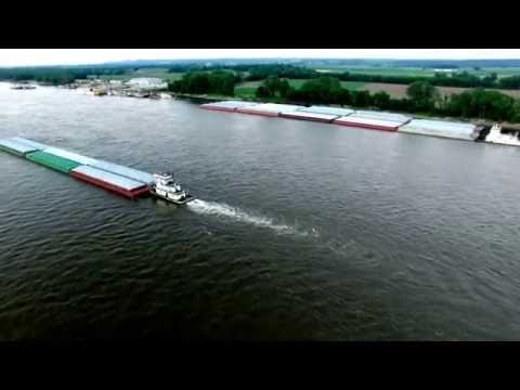 Mississippi River- Tug Boats & Barges Working- 6/25/2016- Aerial View