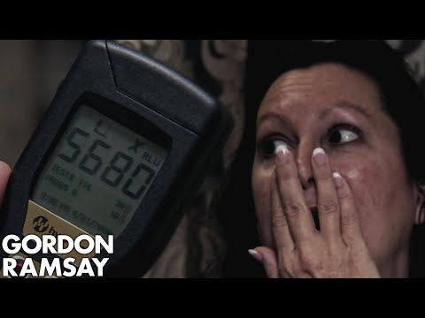 DISGUSTING Hygiene Makes Gordon Pull the Fire Alarm | Hotel Hell