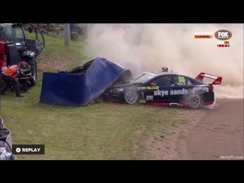 Supercars Dunlop Series 2016. Qualifying Mount Panorama Circuit. Kurt Kostecki Crash