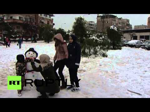 Syria: Snowstorm brings Damascus to a standstill