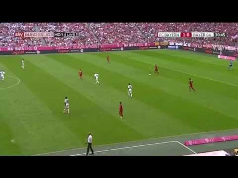 Guardiola gets annoyed at Vidal's positional play