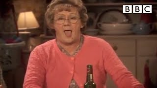 Mrs Brown's Orgasmic Phone Call - Mrs Brown's Boys - Series 3 Episode 5 Preview - BBC One(More about this programme: http://www.bbc.co.uk/programmes/b01qdwfy Buster brings home a new smartphone that causes some interesting vibrations for Mrs ..., 2013-01-28T15:51:35.000Z)