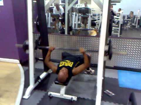 smith machine push up