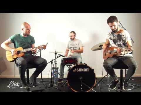 Eko Guitars Guitalele + Ukubass