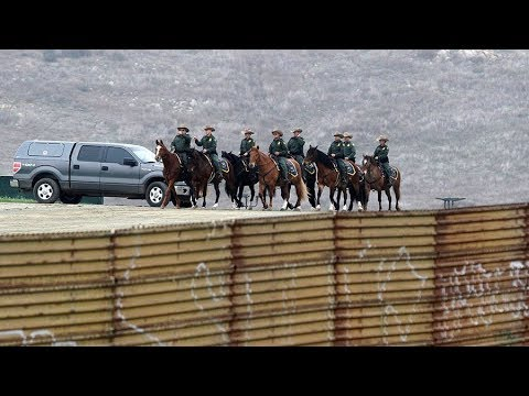 Debate: Should the US military guard the border with Mexico?