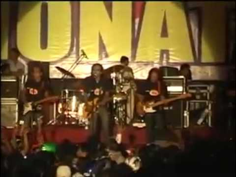 monata 2010 live in alun'' simpang 5 pati