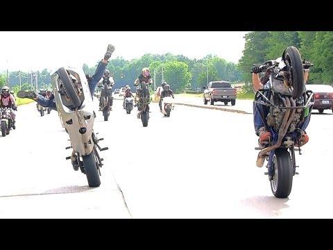 LONG Street Bike WHEELIE On Highway Kawasaki Ninja ZX6R ZX636 WHEELIES Motorcycle STUNTS