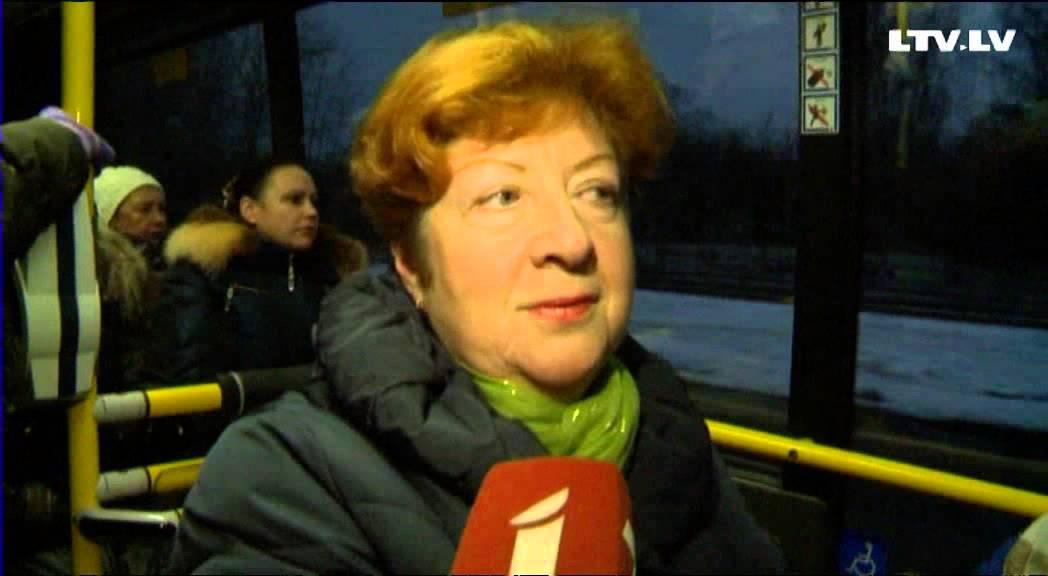 """30.autobuss: šaurība, spiešanās un neērtības; """"Rīgas ..."""