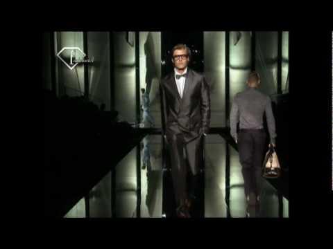 fashiontv   FTV.com - RYAN THOMAS + TRAVIS DAVENPORT   MODELS MEN   SS 2009 - MILA