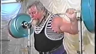 Валентин Дикуль - приседания 450 кг / Valentin Dikul - squats 450 kg