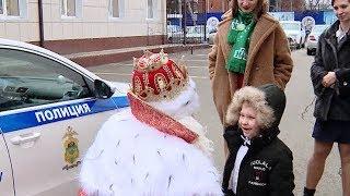 Счастливое письмо: всероссийский Дед Мороз встретился с писавшими ему детьми из Краснодара