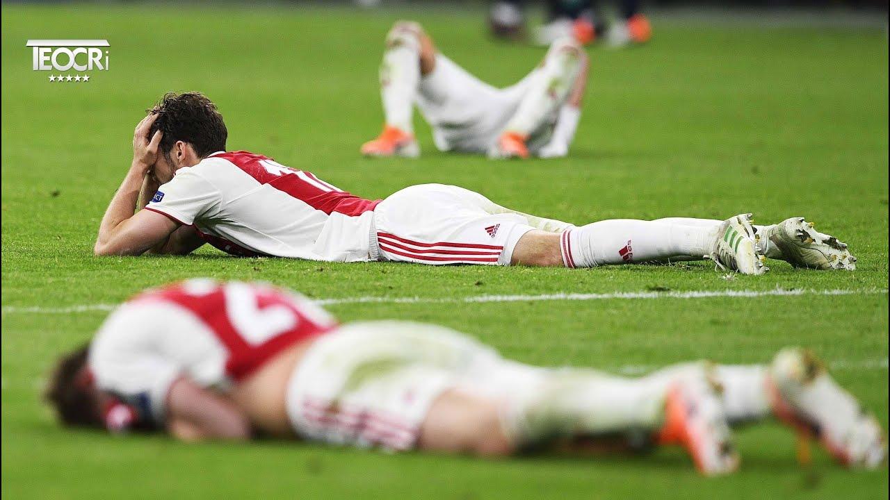 Heartbreaking Football Moments.... - YouTube