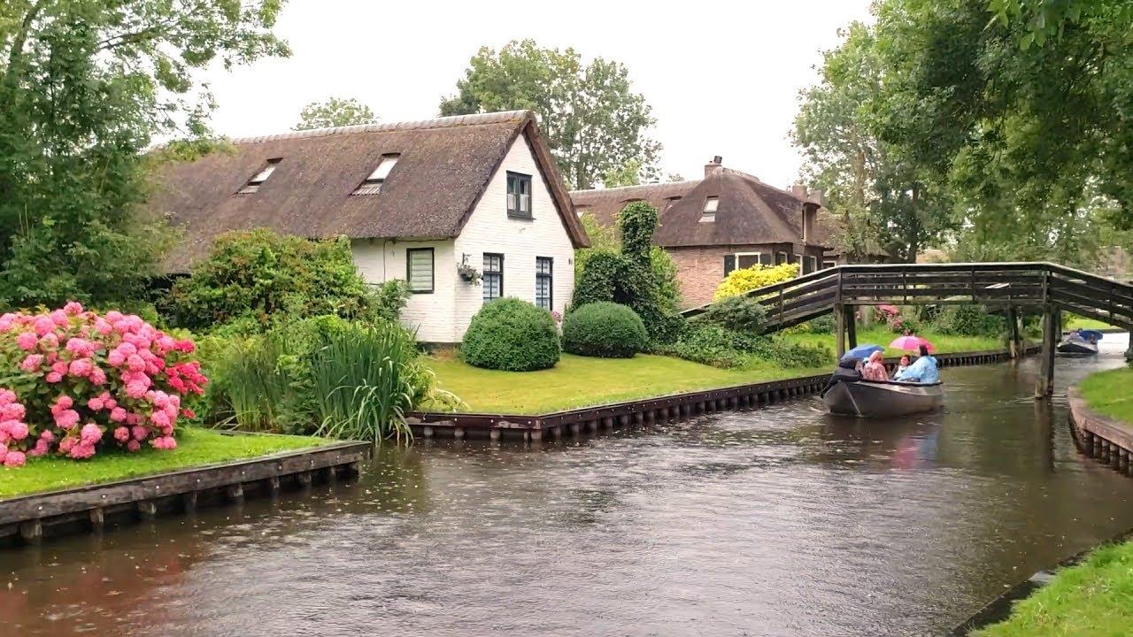 Ngôi Làng Cổ Tích Đẹp Như Mơ – Không Xe Ô Tô – Phương Tiện Chính là Thuyền  || Giethoorn Hà Lan