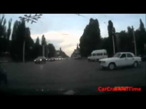 stupid-driver-car-crash-compilation
