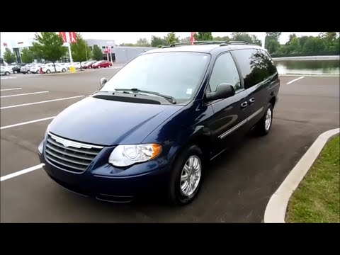 2005 Chrysler Town And Country Touring 3 8 V6 Start Up Full Tour