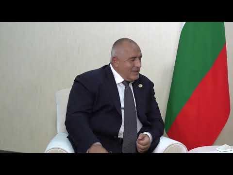 """В рамките на Първия каспийски икономически форум, който се провежда в Туркменистан, разговарях с руския премиер Дмитрий Медведев. България води политика, която е насочена към гарантирането на енергийната сигурност, както за страната ни, така и за ЕС. На срещата заявих, че диверсификацията е важен елемент за гарантирането на сигурността на газовите доставки в ЕС. България работи активно по проектите за газови връзки със съседните страни. Запознах Медведев със сериозната работа на българското правителство във връзка с осъществяването на проекта за газоразпределителния център """"Балкан"""