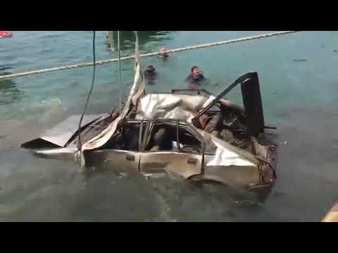 Photo of فيديو : لبنان: انتشال سيارة في داخلها جثة من البحر قبالة مرفأ بيروت