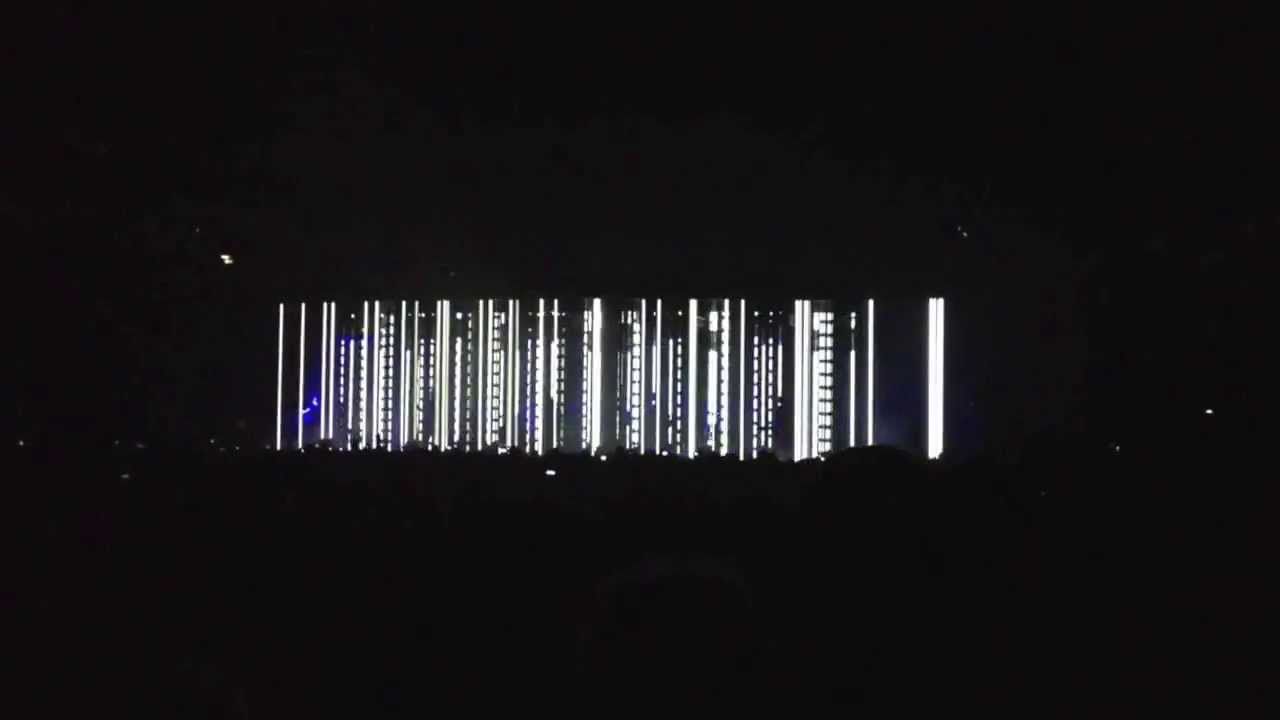 Nine Inch Nails - best light show of the concert - YouTube