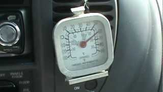 How to recharge your car air conditioner