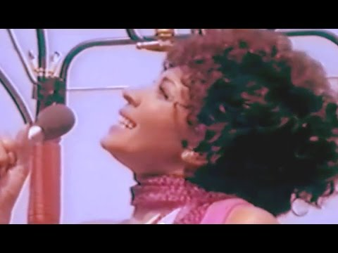Shirley Bassey - On A Clear Day (1976 Show #5) / Put On Your Sunday Clothes (1976 Show #1)