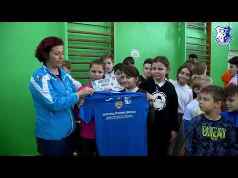 """""""Joacă fotbal cu FC Farul Constanța"""", la Școala Gimnazială nr. 40 Aurel Vlaicu Constanța"""