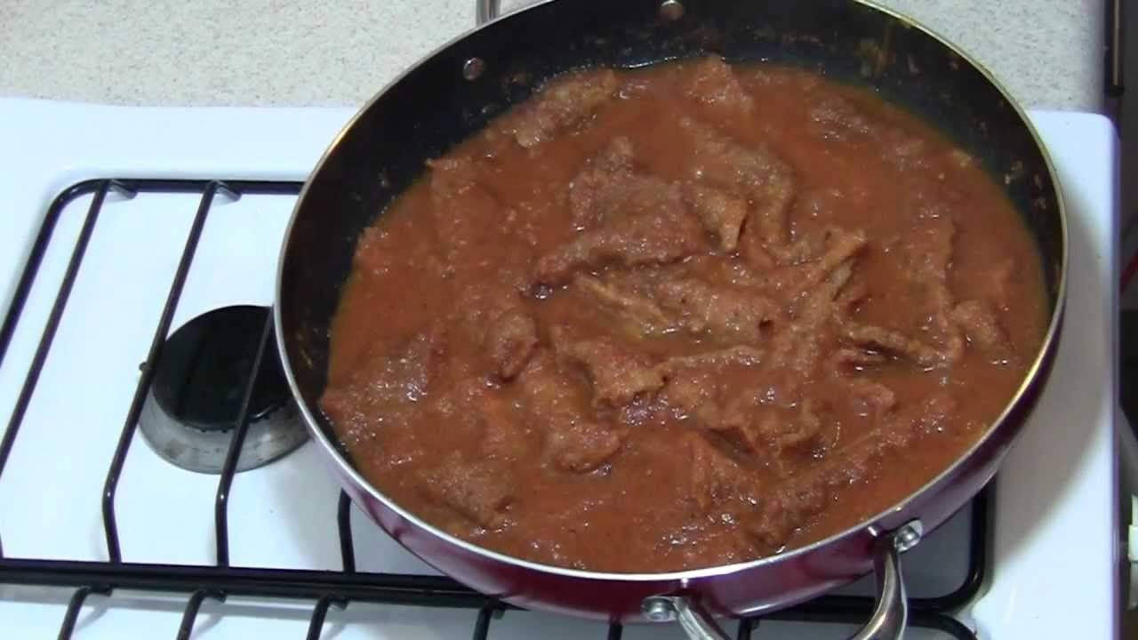 Como hacer la Receta de Chicharron en Salsa roja Comida
