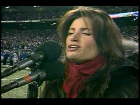 Idina Menzel sings National Anthem... - YouTube