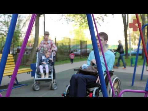 Смотреть Один день мамы двух детей-инвалидов: ключ к выживанию онлайн