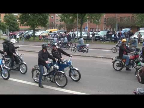 TSV Blårök Mopedkortege genom Borlänge