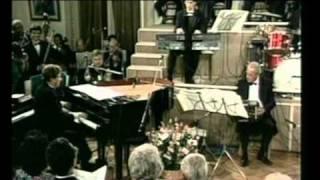 Astor Piazzolla, bandoneon y arreglos - Jaime Gosis, piano - Antoni...