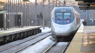 Acela Express and AEM-7/MBTA Meet at RTE 128 Station (2/14/11)