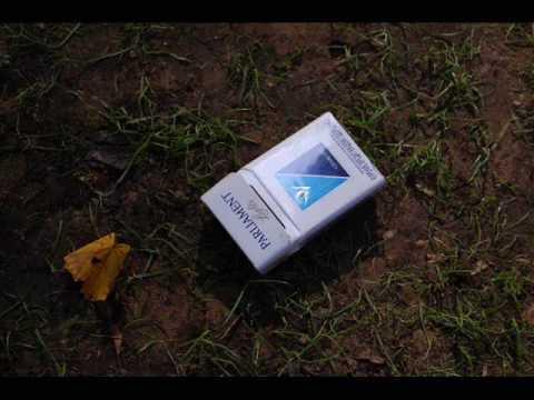 пачка сигарет на снегу фото при