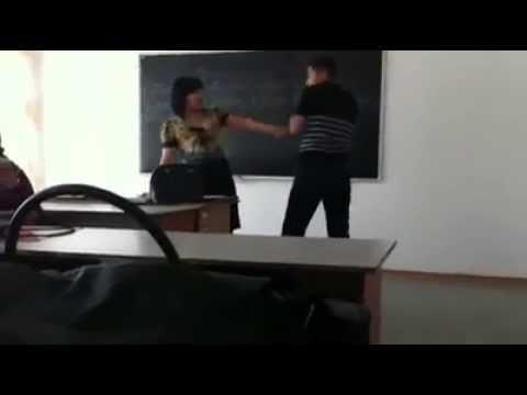 Ученик обнял училку видео фото 316-754