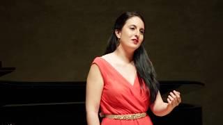 A Chloris - R.Hahn. Irene Mas, soprano