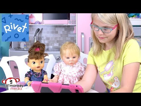 Rivet Kids Reading App !  Read Lil Monkey & Madi Maureen Vlog Books!