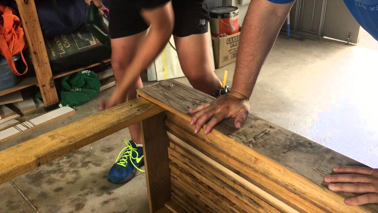 How To Make A Pallet Table And Chair