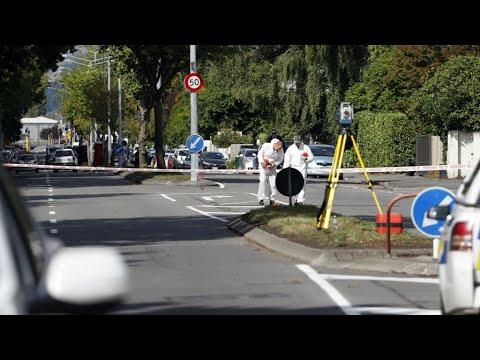 ما قاله الرجل الذي واجه منفذ الهجوم الدموي على المسجدين في نيوزيلندا